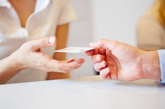 Egészségpénztár kártya átadása